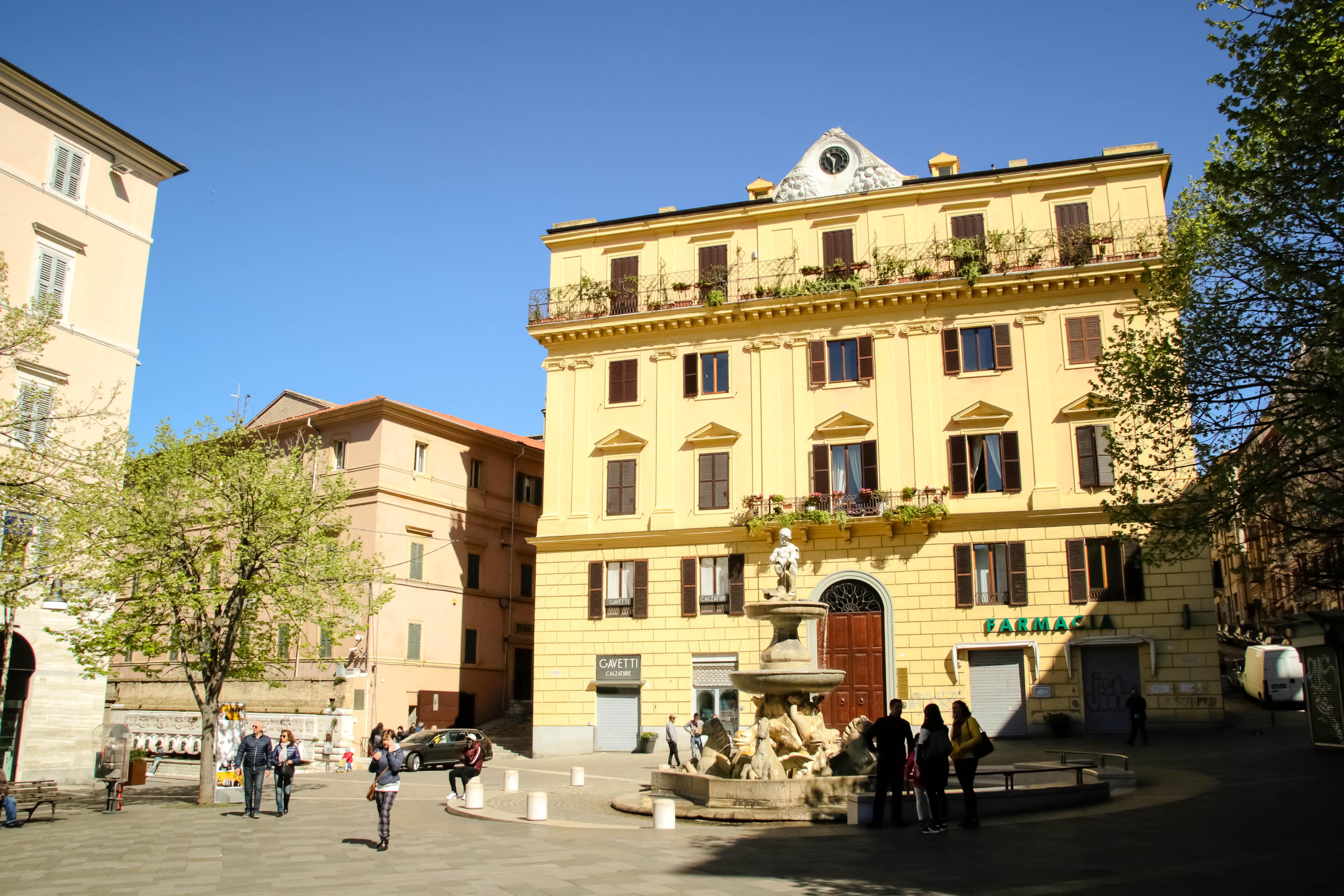 Al Giardino Ancona ancona: per le strade non si cammina, ci si arrampica